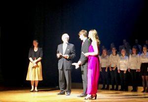 Hille Rudanko ja Pentti Arajärvi pitivät Ressujen puheet